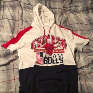 chicago bulls shirt with hood